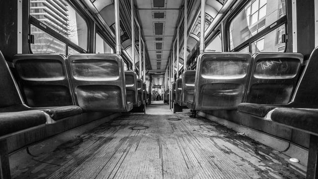 bus-1209153_1920.jpg