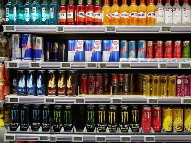 shelf-3840437_1920.jpg